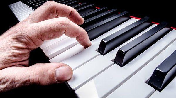 piano-parent-playing
