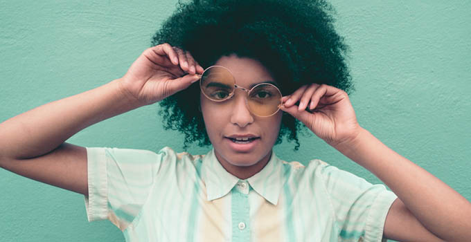 girl-in-glasses-weird-face